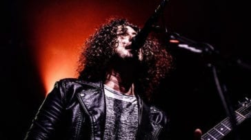 Ilan Rubin playing guitar