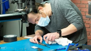 M1 MacBook Air teardown