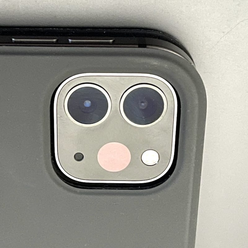 The camera cluster on the back of the M1 iPad Pro includes two cameras and a LiDAR Scanner